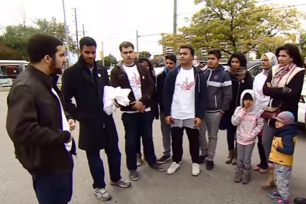Grassroots Group Encourages Muslim Canadas to vote